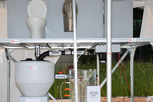 A solar-powered toilet that generates hydrogen and electricity