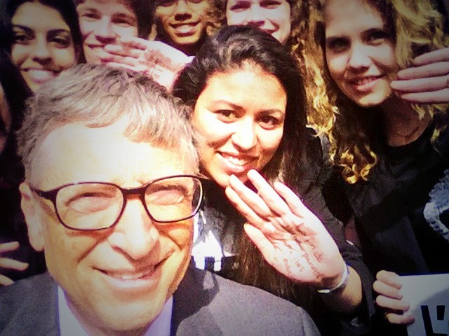 Bill Gates take a selfie in Paris with Youth Ambassadors from the ONE Campaign